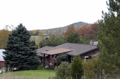 Heart by Nature Retreats at Prairie Pond Woods
