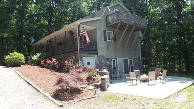 The Sanctuary Brush Creek Forest Vacation Rental